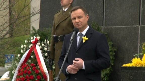 Polish president pays tribute to Warsaw Ghetto insurgents
