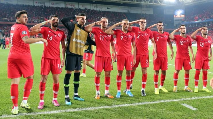 Tureccy piłkarze poparli ofensywę w Syrii? UEFA przyjrzy się salutowaniu