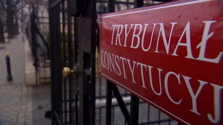 Senator PO zaprosił na komisję prezes i sędziego TK. Nie przyszli
