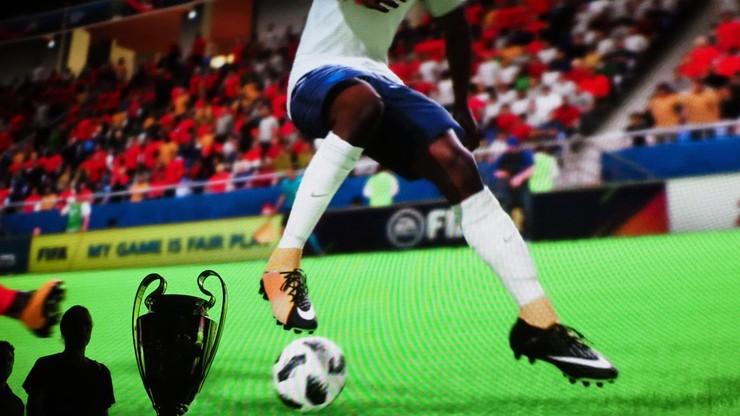 Piłkarze najsłynniejszych klubów zagrają o wirtualny puchar