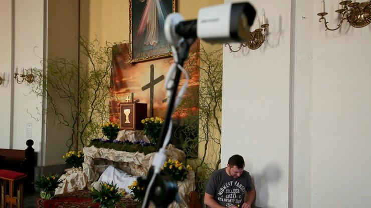 Triduum Paschalne z ograniczeniem udziału wiernych. Biskupi zachęcają do transmisji online