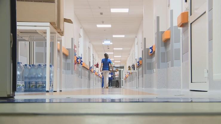 Zakaz odwiedzin w szpitalu w Wielkopolsce. W obawie przed koronawirusem