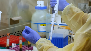 Sondaż: połowa Polaków nie chce szczepić się przeciwko koronawirusowi