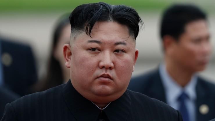 Kim Dzong Un i stan jego zdrowia. Tajemnicza blizna na przedramieniu dyktatora