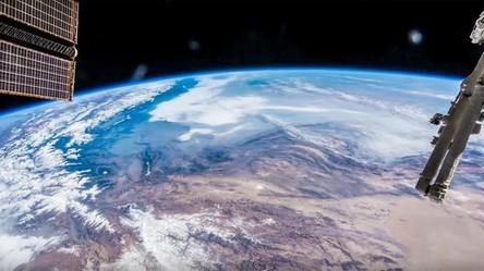 Ziemia z orbity i astronauci na stacji kosmicznej wyglądają rewelacyjnie w jakości 8K