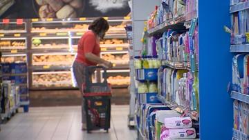 Szumowski: sklepy nie obsłużą klientów bez maseczek. Będą zmiany w prawie