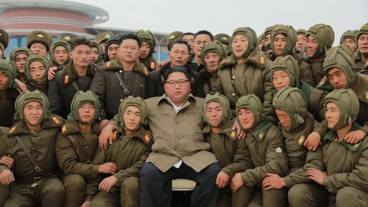 Symulowana wojna w Korei Północnej. Ćwiczenia nadzoruje Kim Dzong Un
