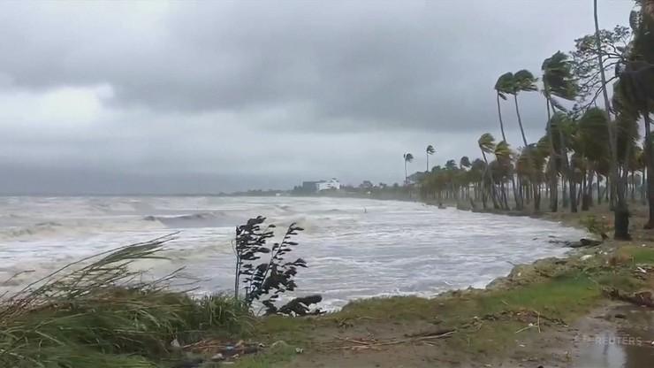 Tropikalny cyklon Sarai atakuje Fidżi. Tysiące ewakuowanych