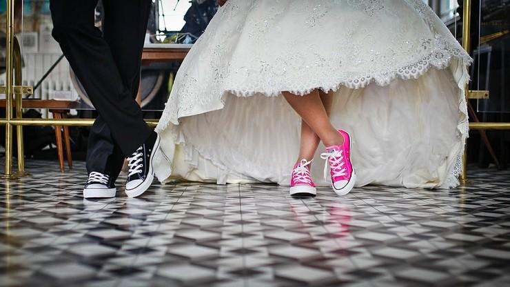 Więcej ślubów cywilnych niż kościelnych. Włosi wolą zawierać małżeństwa w urzędach