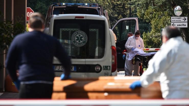 Biskup Bergamo: niech lekarze udzielają błogosławieństwa umierającym