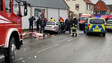 """Samochód wjechał w pochód karnawałowy w Niemczech. """"W ostatniej chwili przyspieszył"""""""
