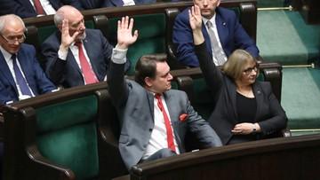 Projekt ustawy ws. sądów skierowany do komisji. 10 posłów opozycji nie głosowało