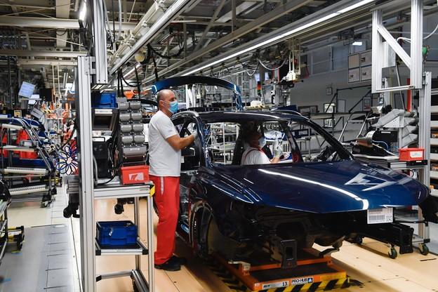 Przemysł w maju na dużym minusie. Wielki kryzys branży motoryzacyjnej