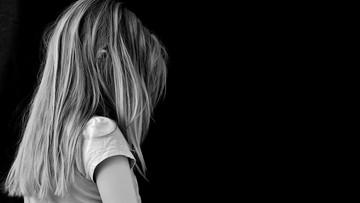 Tysiące nieszczęśliwych dzieci w Polsce. Co jest powodem?
