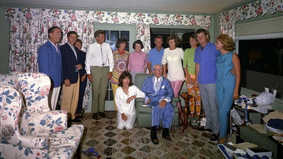 Rodzinna Kennedych w swoim domu w 1963 roku