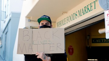 """""""Kupuj u czarnoskórych"""" - akcja, która zdobywa coraz większą popularność"""