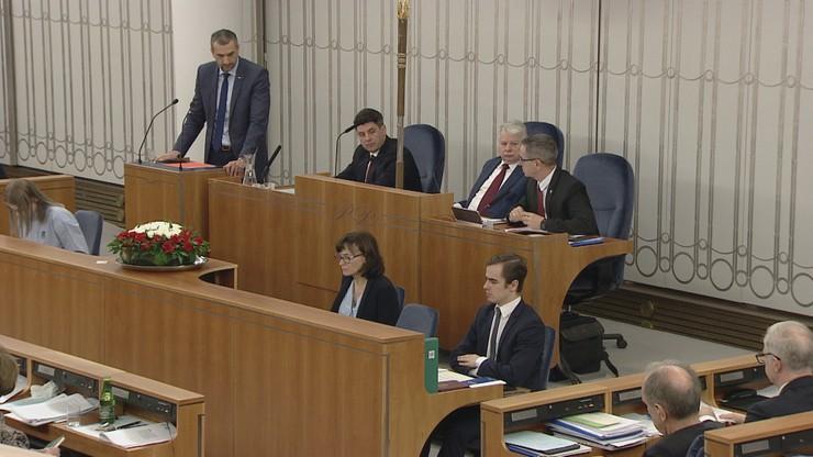 49:49 - remis w Senacie. Wyboru członków KRS nie zdjęto z porządku