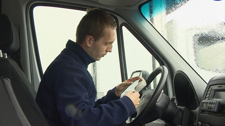 Zabrali prawo jazdy, bo miał jechać 108 km/h. Blokada w aucie włącza się przy… 90 km/h