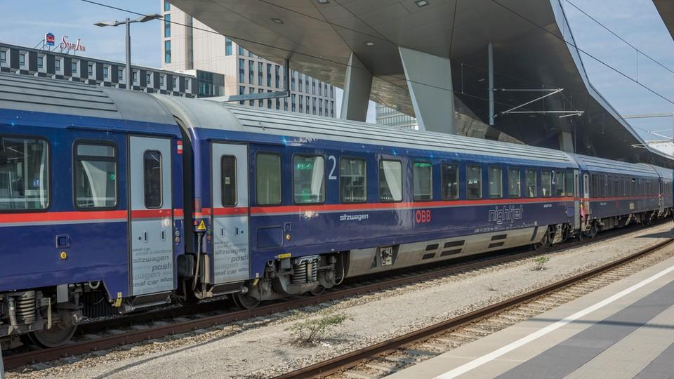 Jeden z pociągów Nightjet przed rozpoczęciem kursu