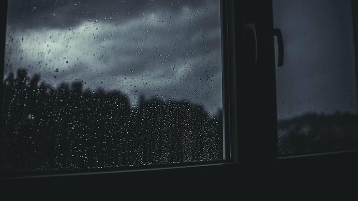 Ulewne deszcze mogą powodować podtopienia. Pogoda na sobotę, 26 września