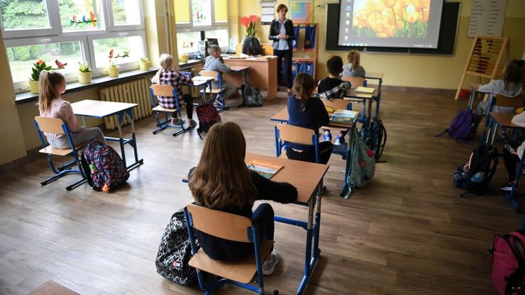 Wyższe oceny dla wszystkich uczniów? Apel Rzecznika Praw Dziecka