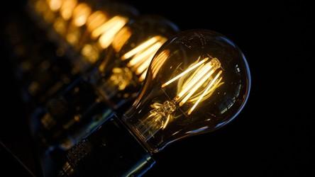 Panele solarne nowej generacji potrafią pozyskać energię nawet ze sztucznego światła