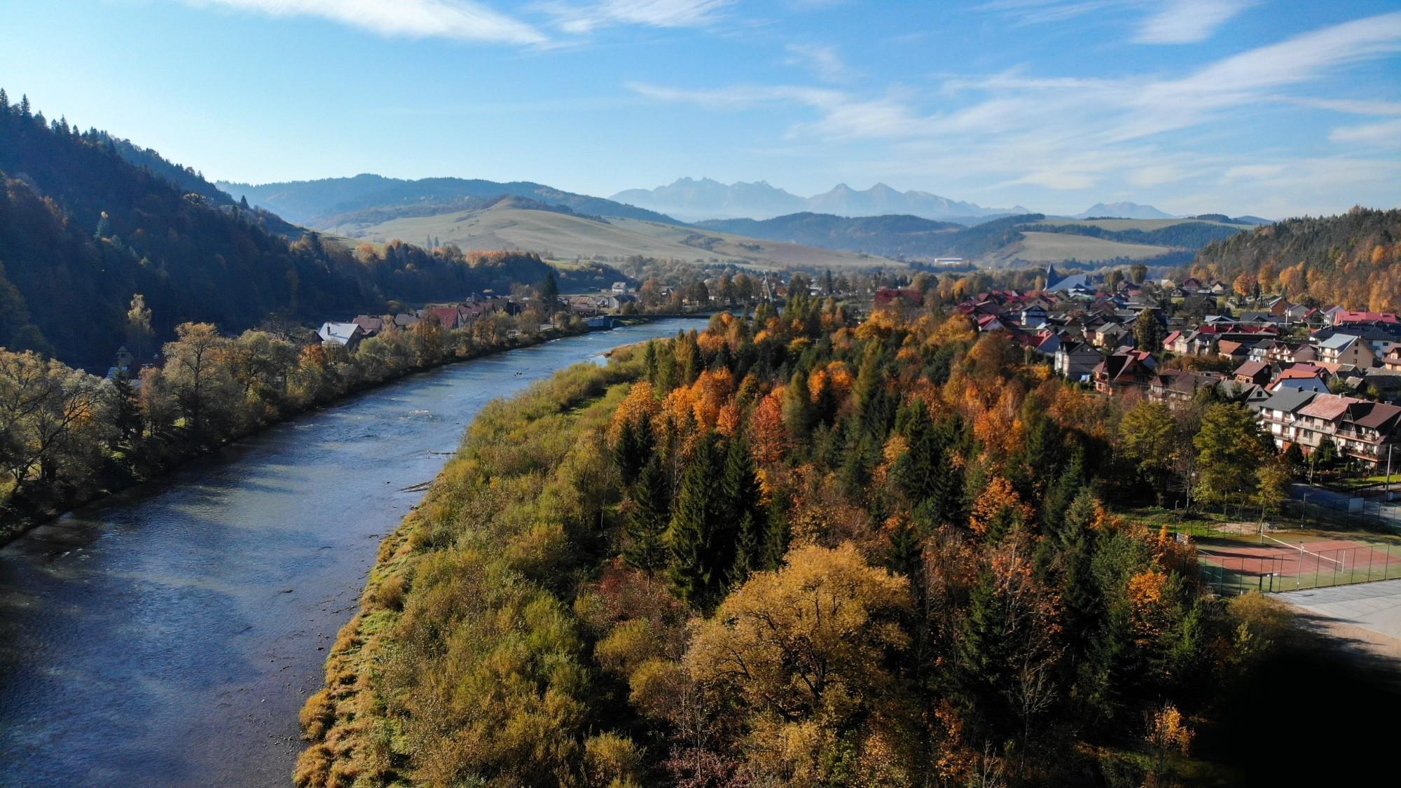 Jesień w górach z lotu ptaka - zdjęcie 2