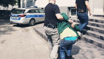 50-letni pedofil w rękach policji. Do mieszkania zwabił dziewczynkę słodyczami