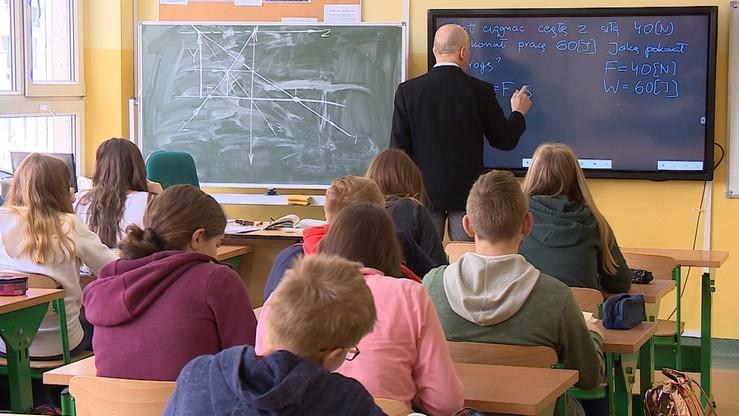 Niemal 80 proc. Polaków za zajęciami z edukacji seksualnej w szkole