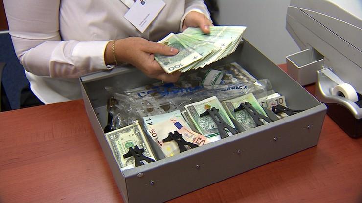 Po wakacjach banki nałożą na klientów nowe opłaty