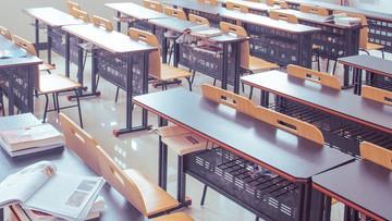 Jak pracują szkoły w czasie epidemii? MEN podało dane