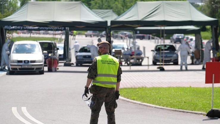 Kilkaset nowych przypadków zakażenia koronawirusem w Polsce. Zmarło kolejnych 10 osób