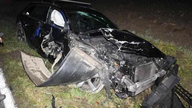 Nietrzeźwy kierowca wjechał w traktor. O pomoc w ucieczce poprosił funkcjonariusza CBŚP
