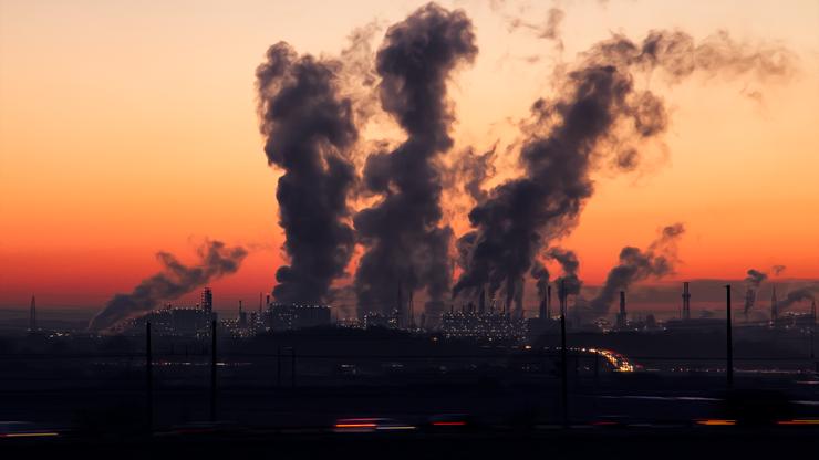 Redukcja emisji CO2. Komisja Europejska podtrzymuje decyzję