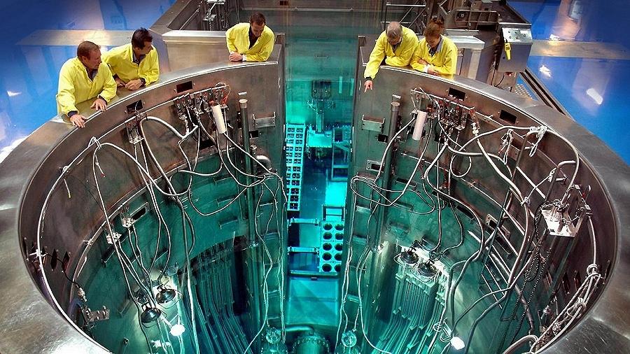 """22-10-2019 08:00 Najbogatszy Polak zbuduje w Polsce prywatne kompaktowe reaktory jądrowe. """"To będzie rewolucja"""""""