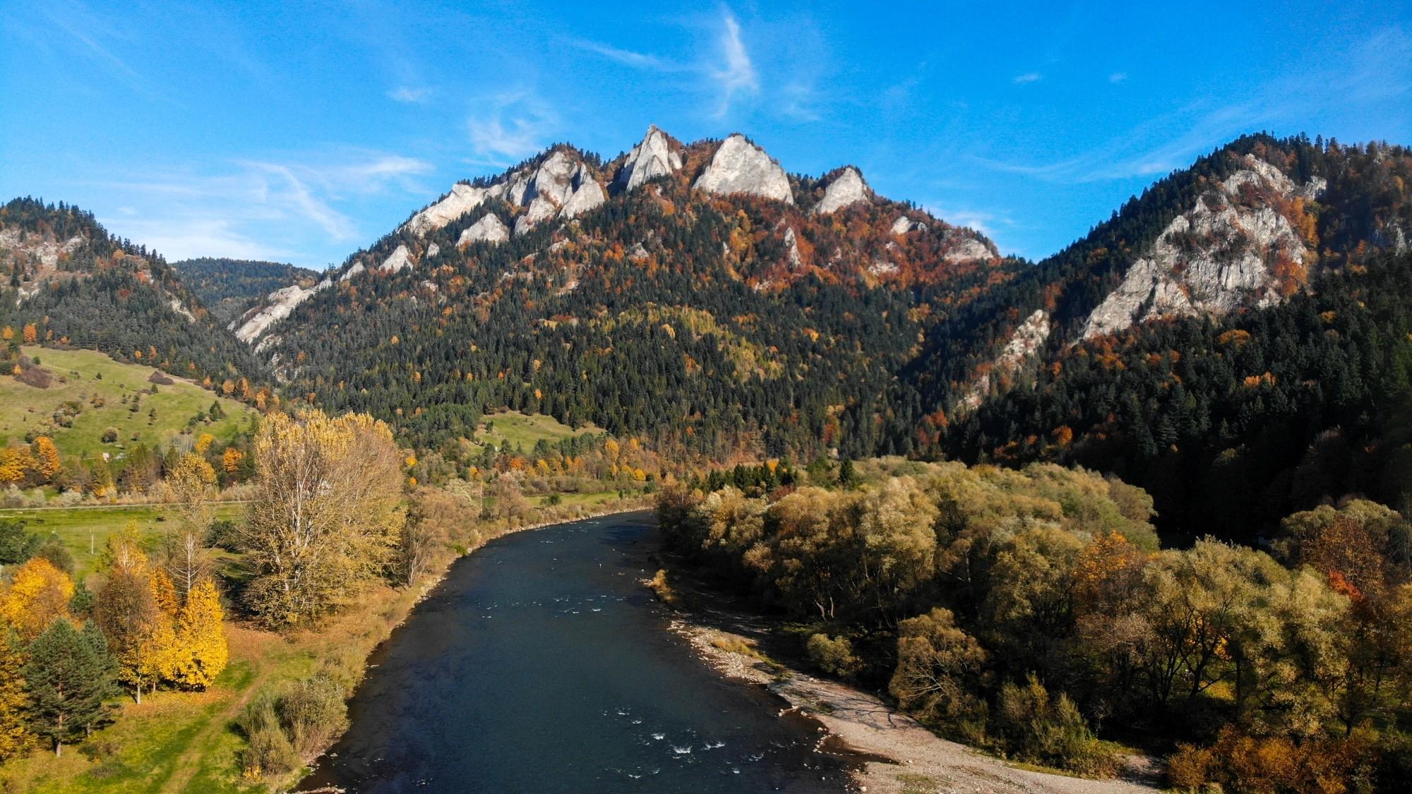 Jesień w górach z lotu ptaka