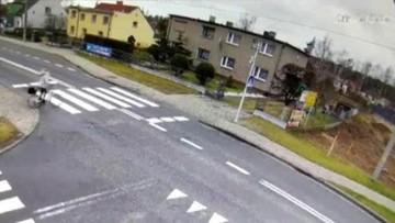 Krapkowice: samochód uderzył w pieszą na jezdni [WIDEO]