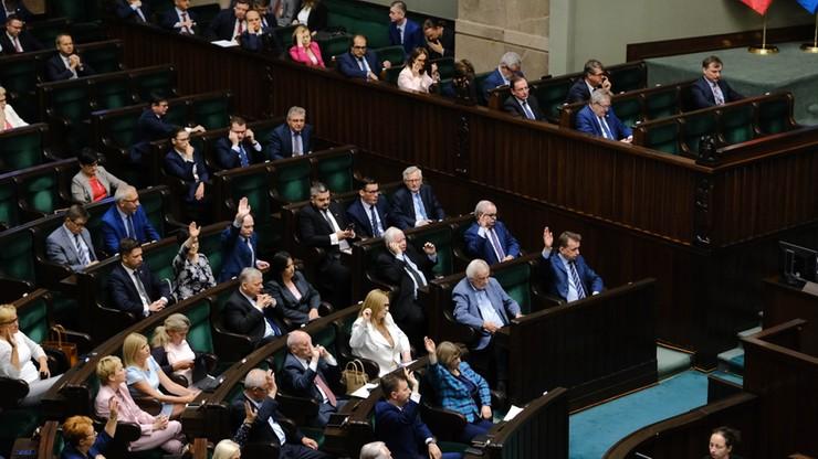 Sejm za udzieleniem rządowi absolutorium