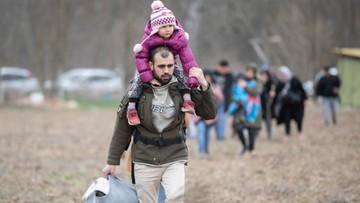 Marsz uchodźców do Europy. Państwa wzmacniają ochronę granic