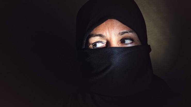 """Kobieta może samotnie żyć i podróżować. """"Historyczne orzeczenie"""" saudyjskiego sądu"""