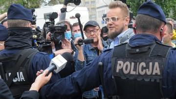 Miał szarpać i popychać policjantów. Co dalej z kandydatem na prezydenta?