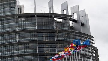 """Europosłowie chcą wprowadzenia zasady """"unijne pieniądze za praworządność"""""""