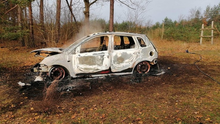 Ludzkie kości w spalonym samochodzie. Wiadomo, skąd się tam wzięły