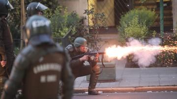 """""""W kraju toczy się wojna"""". 7 osób zginęło w czasie zamieszek w Chile"""