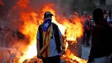 Ponad pół miliona osób na proteście w Barcelonie. Podpalone barykady, odwołane loty