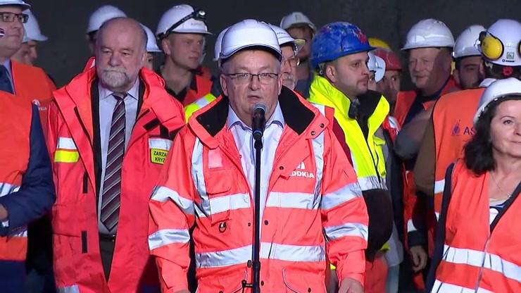 Minister infrastruktury: historyczna chwila dla wszystkich drogowców w Polsce