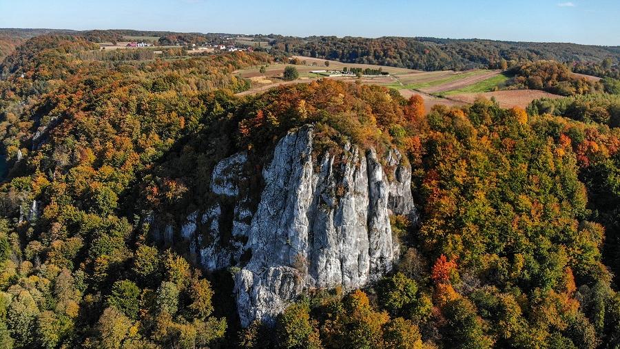 21-10-2019 09:30 Jesień w polskich górach z lotu ptaka. Z tej perspektywy najbardziej kolorowa pora roku zapiera dech