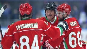 """Białorusini nie boją się koronawirusa? """"Lepiej umrzeć na stojąco, niż żyć na kolanach"""""""