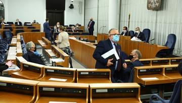 Senat zdecydował ws. wyborów korespondencyjnych. Nie głosowało 13 senatorów Zjednoczonej Prawicy