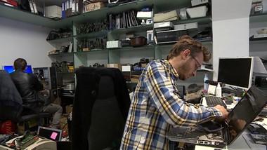 Informatyk musiał zamknąć biznes, więc… rozdaje komputery. Za darmo